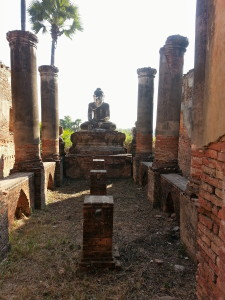 These ruins used to be an actual temple but due to earthquakes, most of the foundation has crumbled.